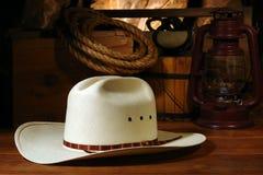 den amerikanska rodeoen för ranchen för cowboyhatten gammala tools västra Arkivbilder