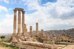 Den Amman citadellen fördärvar i Jordanien Arkivbilder
