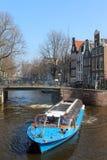 Den Amsterdam kanalen turnerar fartyget Royaltyfri Foto
