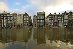 den amsterdam staden houses medeltida Nederländerna Royaltyfria Foton