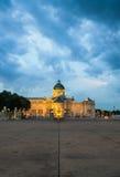 Den Ananta Samakhom biskopsstolen Hall i den thailändska kungliga Dusit slotten, smäll Arkivfoton
