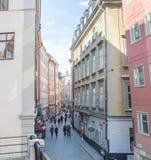 Den andra största gatan i den gamla staden Stockholm Fotografering för Bildbyråer