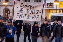 den anti protesten kriger Royaltyfri Bild