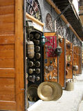 den antika citadelen damascus shoppar Arkivfoton
