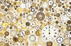 Den antika klockan särar bakgrund Arkivfoto