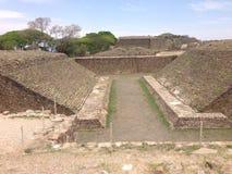 den arkeologiska platsen, fördärvar av Monte Alban i Oaxaca, Mexico royaltyfri bild