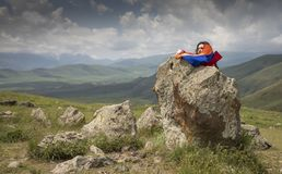Den armenierStonehenge platsen kallade Karahunj arkivbild