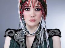 den attraktiva kläder planlägger den exklusiva modellen Royaltyfria Foton