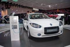 den auto bilen elektriska paris renault visar Arkivfoton