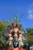 Den Aztec indiska infödda fjädern beklär ceremoniel arkivbilder