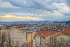 Den bästa sikten av Lyon den gamla staden taked från croixrousse, Vieux Lyon, Frankrike Arkivfoton