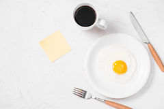 Den bästa sikten av traditionellt sunt lätt snabbt frukostmål gjorde nolla Arkivbilder