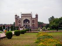 Den bakre sidan av den Taj Mahal mausoleet royaltyfri bild