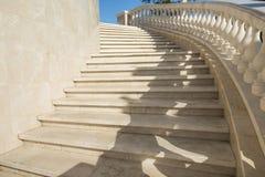 Den Baku stadshöglandet parkerar, marmorerar trappa Royaltyfria Bilder