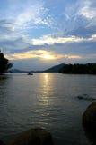 den balatonhungary laken gör fotosolnedgång Fotografering för Bildbyråer