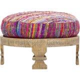 Den Barnwell ottomanen, polyester fyllde obetydliga variationer i färg, Layla Ottoman, påfågeln, den handgjorda siden- stolen, si royaltyfri bild