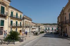 Den barocka Duomofyrkanten i landskapet av Ragusa i Sicilien in Royaltyfri Fotografi