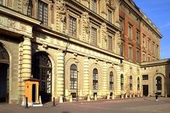 Den barocka stilbyggnaden av Royal Palace av Stockholm i den gamla staden Gamla Stan, Stockholm, Sverige Royaltyfri Fotografi