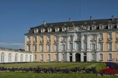 Den barockAugustusburg slotten är en av de första viktiga skapelserna av rokokor i Bruhl nära Bonn Arkivbild