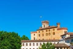 Den Barolo slotten i Piedmont, Italien arkivfoto