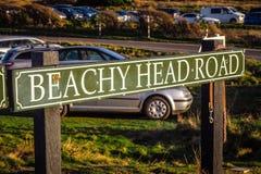 Den Beachy huvudvägen på sju systrar seglar utmed kusten i Sussex royaltyfri foto