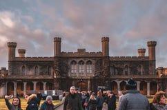 Den bedöva Lincoln Crown Court domstolsbyggnaden inom väggarna av Lincoln Castle mot en fantastisk solnedgång Vinter 2018 fotografering för bildbyråer