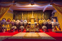 Den begravnings- urnan av Phra Phrom Kawee (Worawit Khongkhapunyo), Tha Arkivfoton
