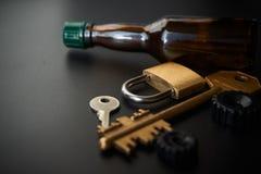 Den begreppsmässiga bilden av förhindrar drinken som kör billåset arkivfoto