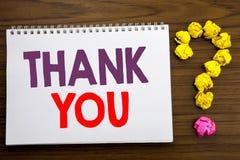 Den begreppsmässiga visningen för inspiration för handhandstilöverskrift tackar dig Affärsidéen för tacksamhet tackar skriftligt  Royaltyfria Bilder