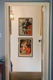 Den berömda affischen av Le Prata Noir, den svarta katten och andra bilder i Montmartre, Paris Arkivfoton