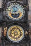 Den berömda astronomiska klockan i gamla Prague royaltyfria bilder