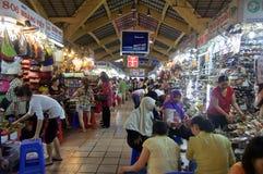 Den berömda Ben Thanh Market i Ho Chi Minh City Royaltyfri Fotografi