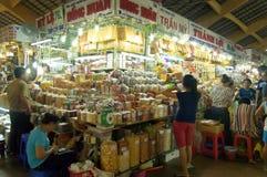 Den berömda Ben Thanh Market i Ho Chi Minh City Royaltyfria Foton