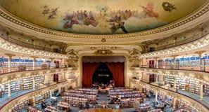 Den berömda bokhandeln El Ateneo storslagna storartade Buenos Aires Aregtina royaltyfri foto
