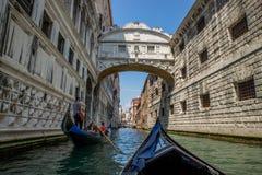 Den berömda bron av Sighs i Venedig, Italien Royaltyfri Foto