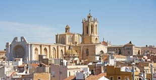 den berömda catalonia domkyrkan mest en placerar landskapet spain tarragona royaltyfri foto