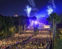 Den berömda Disneyland maraton royaltyfri bild