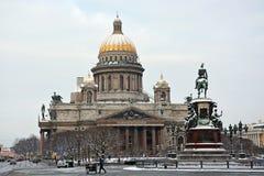 Den berömda domkyrkan för St Isaac Arkivbilder