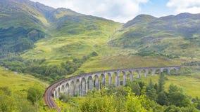 Den berömda Glenfinnan viadukten Skottland arkivbilder