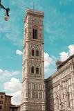 Den berömda gränsmärket Campanile di Giotto Arkivfoton
