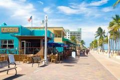 Den berömda Hollywood strandstrandpromenaden i Florida royaltyfria foton