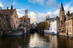 Den berömda kanalen av Brugge, Belgien royaltyfria bilder