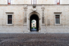 Den berömda Palazzo deien Diamanti i Ferrara, Italien Arkivbild