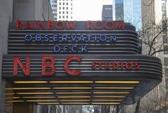 Den berömda Rockefeller mitten är hem- till NBC-studior, ett observationsdäck och det exklusiva nattklubbregnbågerummet Royaltyfria Foton