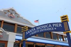 Den berömda Santa Monica Pier i Kalifornien USA Fotografering för Bildbyråer