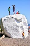 Den berömda stenblocket på vit vaggar stranden, British Columbia, Kanada Royaltyfri Foto