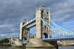 Den berömda tornbron - den London bron - Förenade kungariket Royaltyfri Fotografi
