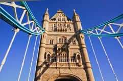 Den berömda tornbron på flodThemsen Arkivfoto