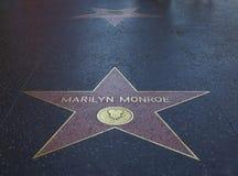 den berömmelsemarilyn monroe s stjärnan går Arkivbilder