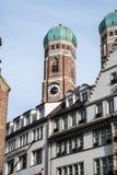 Den ber?mda Munich domkyrkan, kallade ocks? Domkyrka av v?r k?ra dam, Munich fotografering för bildbyråer